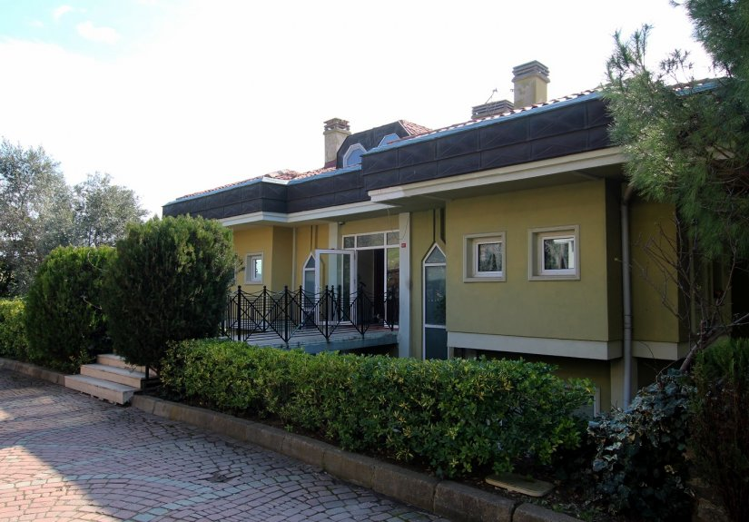 4 Bedrooms Villa in a Compounded Area - 3