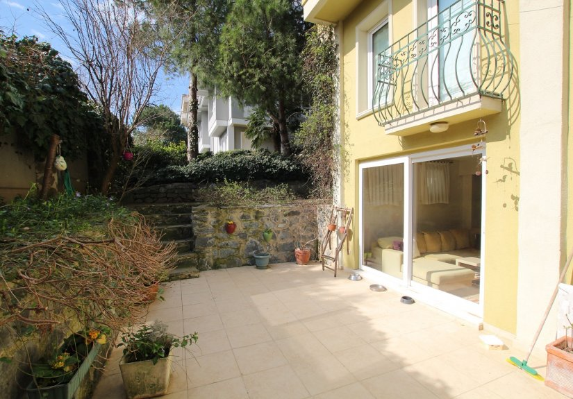 4 Bedrooms Villa in a Compounded Area - 6