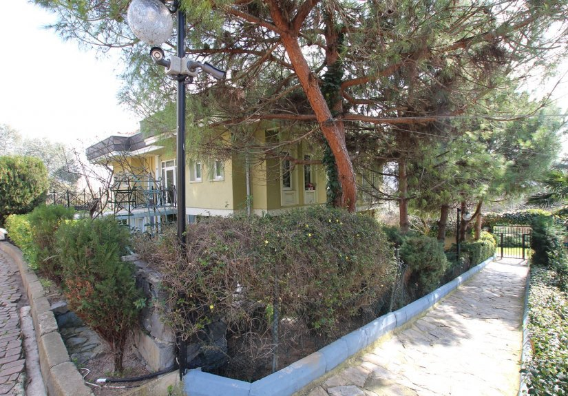4 Bedrooms Villa in a Compounded Area - 7