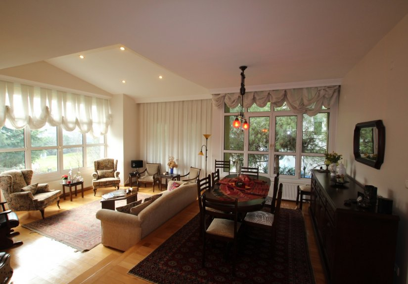 4 Bedrooms Villa in a Compounded Area - 11