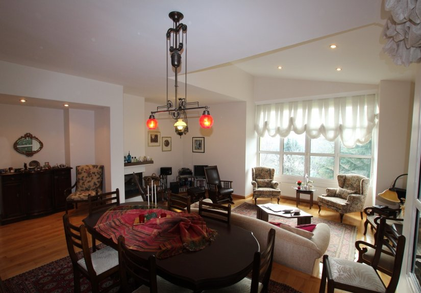 4 Bedrooms Villa in a Compounded Area - 12