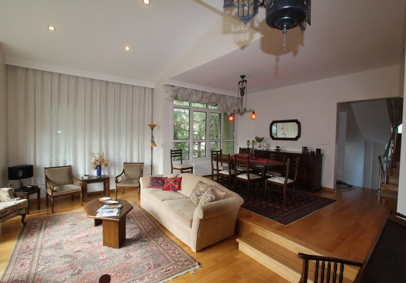 4 Bedrooms Villa in a Compounded Area - 13