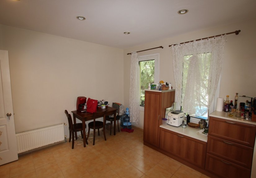 4 Bedrooms Villa in a Compounded Area - 21