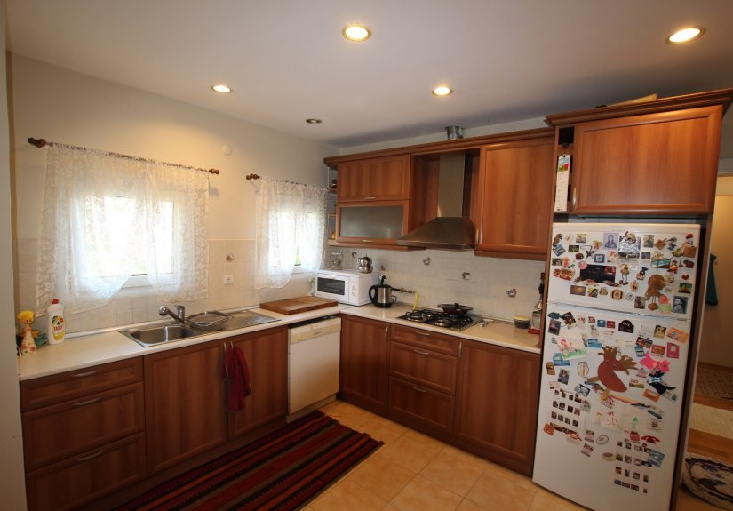 4 Bedrooms Villa in a Compounded Area - 22