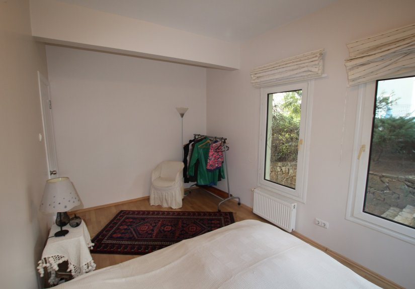 4 Bedrooms Villa in a Compounded Area - 25