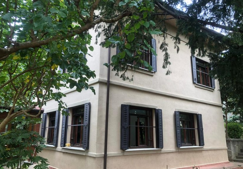 4+1 mansion for sale with 3 floors in Uskudar - 4