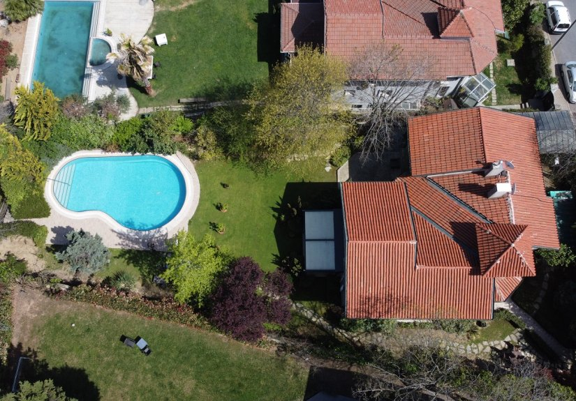 5 Bedrooms Villa With Great Garden and Pool - 1