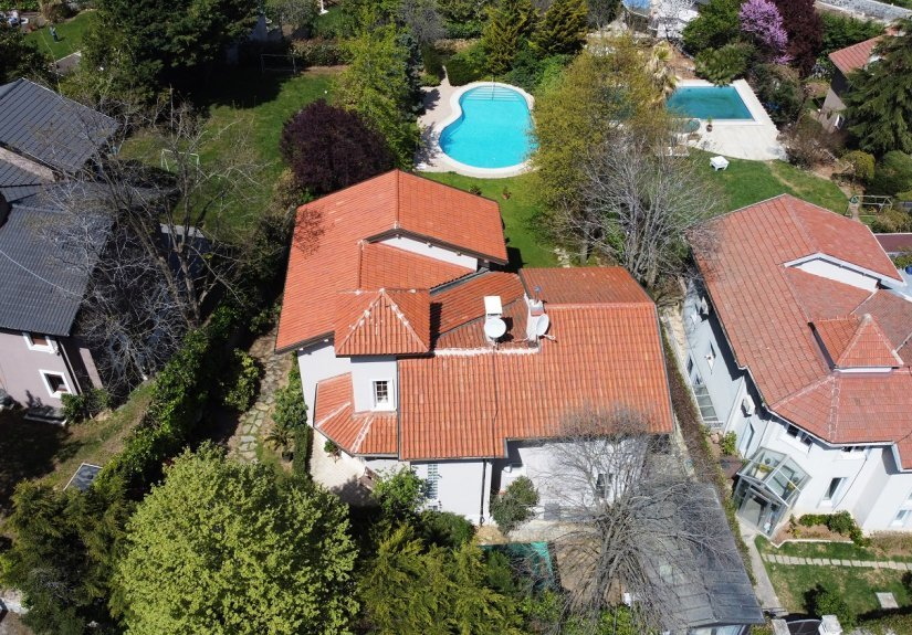 5 Bedrooms Villa With Great Garden and Pool - 3