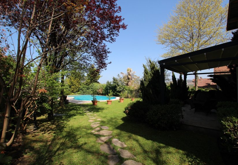 5 Bedrooms Villa With Great Garden and Pool - 12