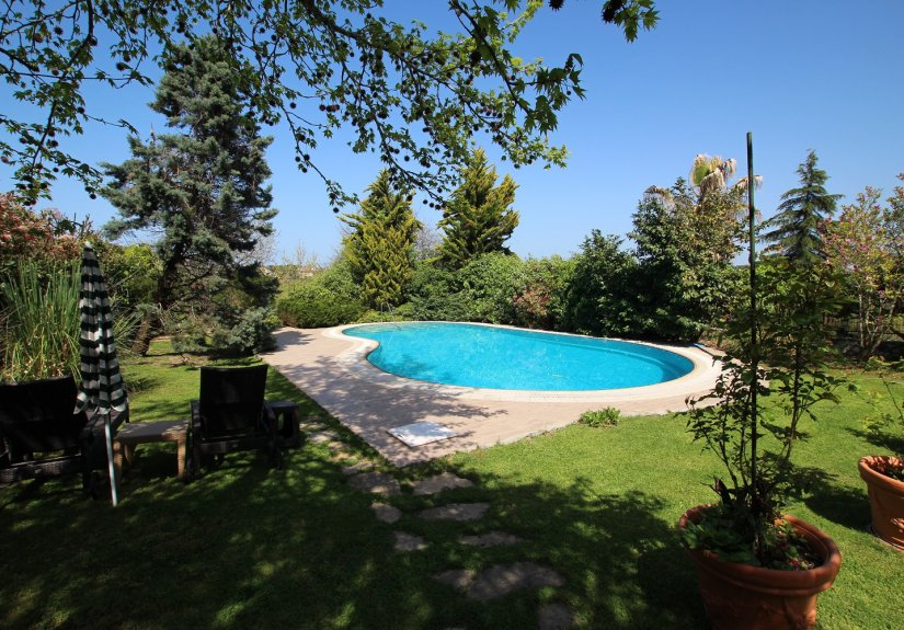 5 Bedrooms Villa With Great Garden and Pool - 15