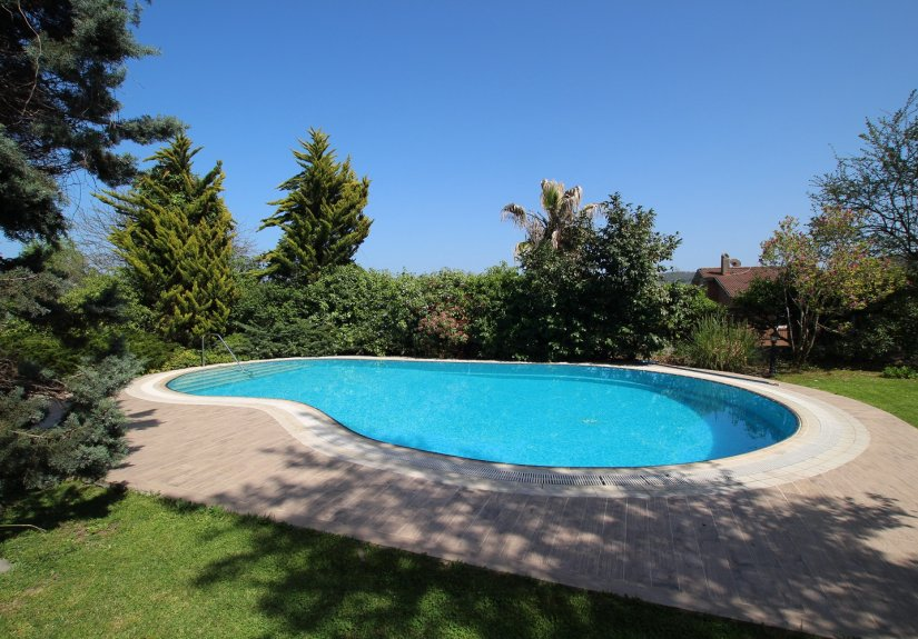 5 Bedrooms Villa With Great Garden and Pool - 18