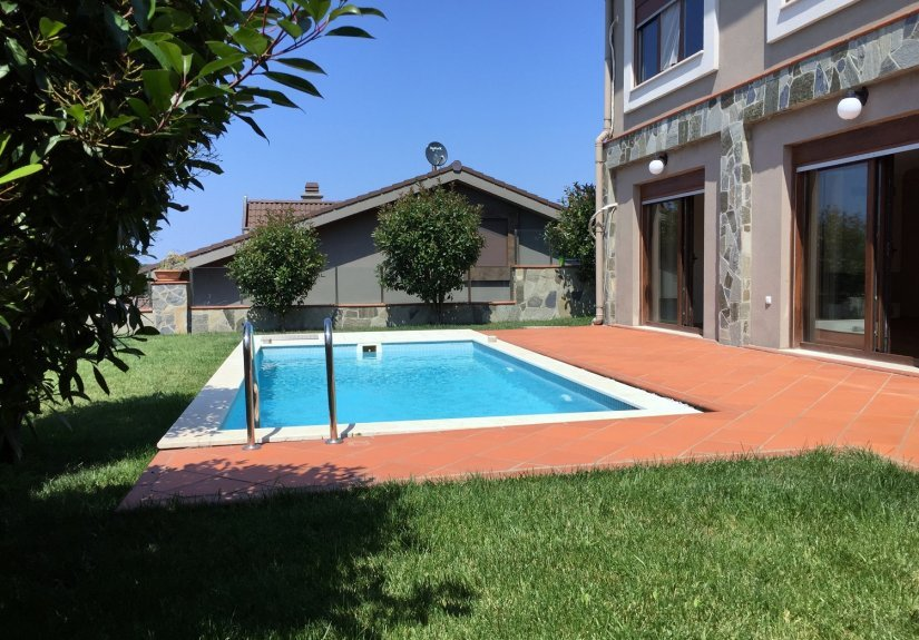 5 Bedrooms Villa with Pool in a Compounded Area - 5