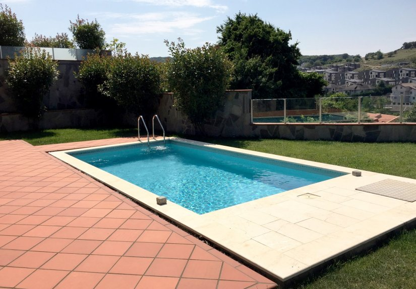 5 Bedrooms Villa with Pool in a Compounded Area - 6