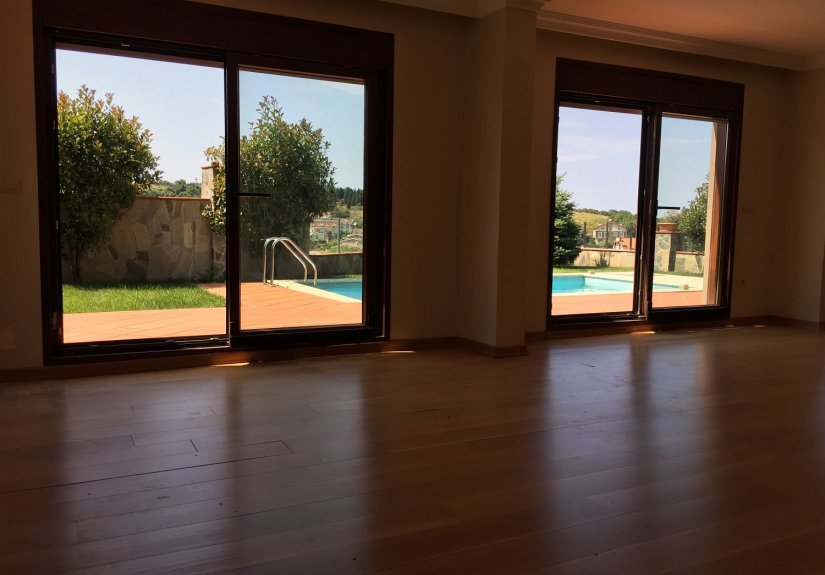 5 Bedrooms Villa with Pool in a Compounded Area - 10