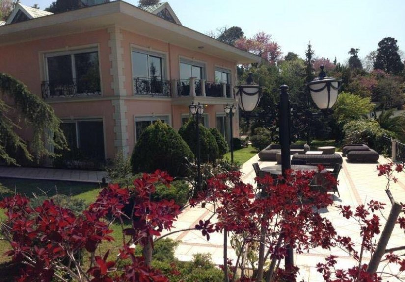 7+4 mansion with magnificent Bosphorus View - 2