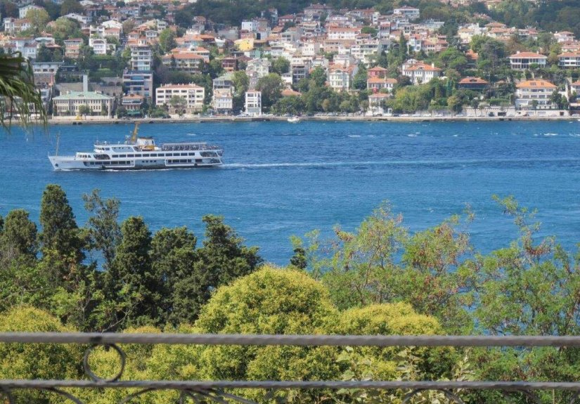 7+4 mansion with magnificent Bosphorus View - 9