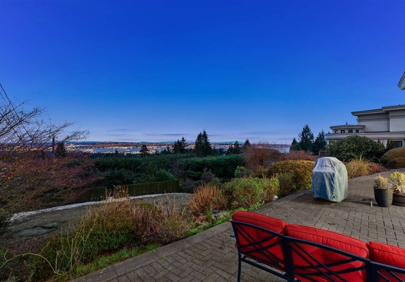 real estate for sale in British Columbia / West Vancouver Villa