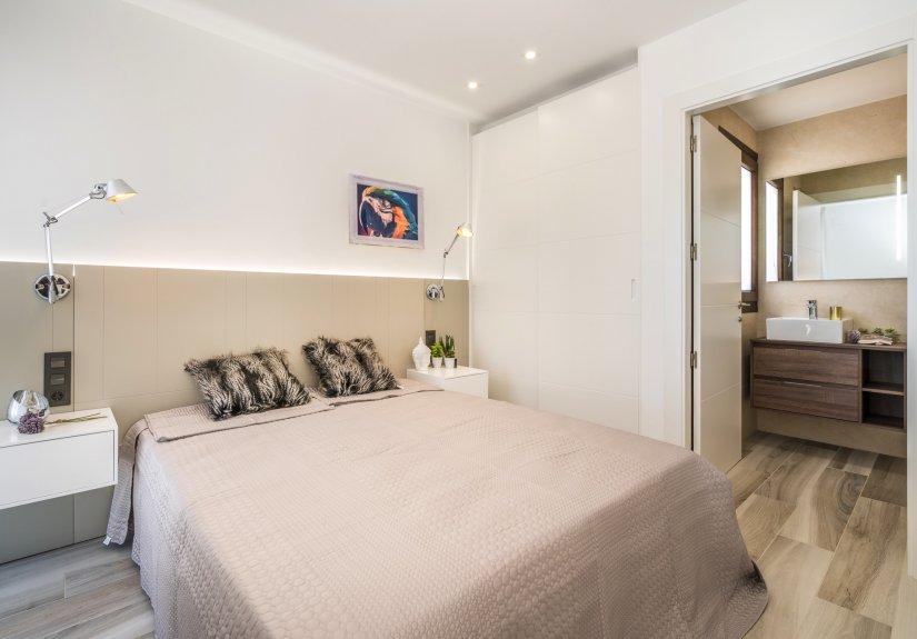real estate for sale in Alicante /  Villa