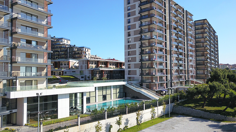 real estate for sale in İstanbul / Kucukcekmece Flats