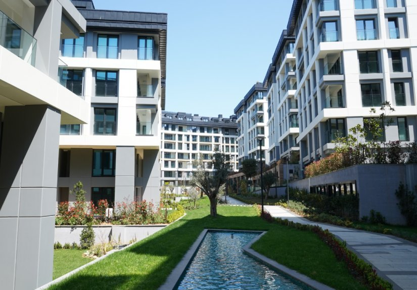 Orchard Mansions - 1