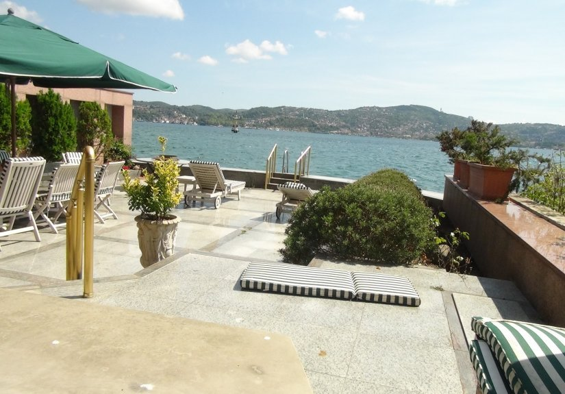 real estate for sale in İstanbul / Sariyer Villa