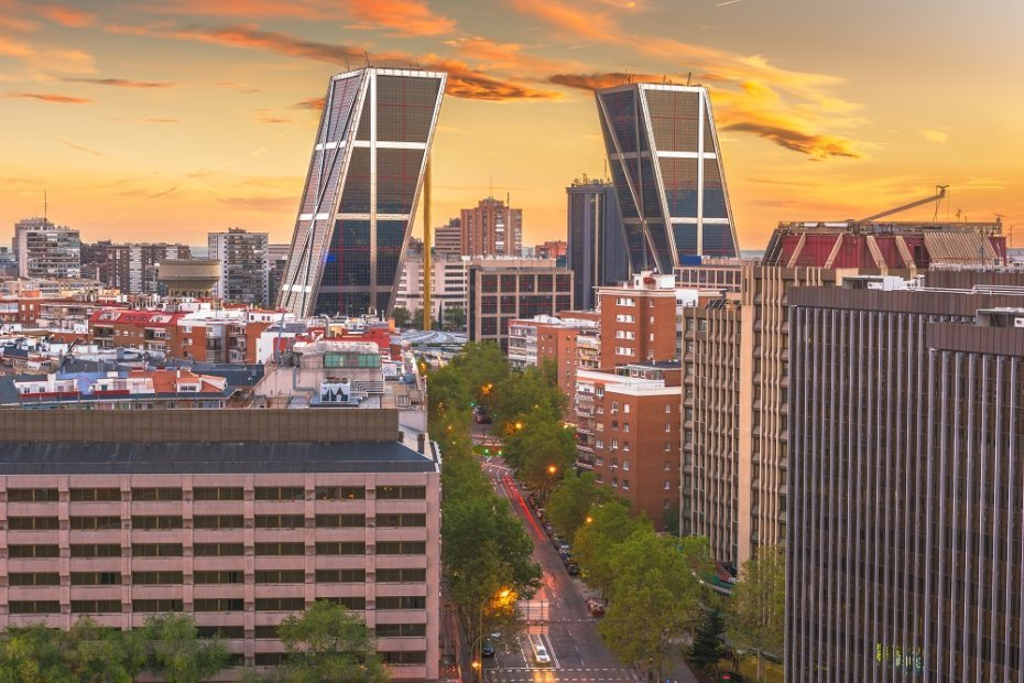 Financial Districts of Madrid: Paseo Castellana and AZCA