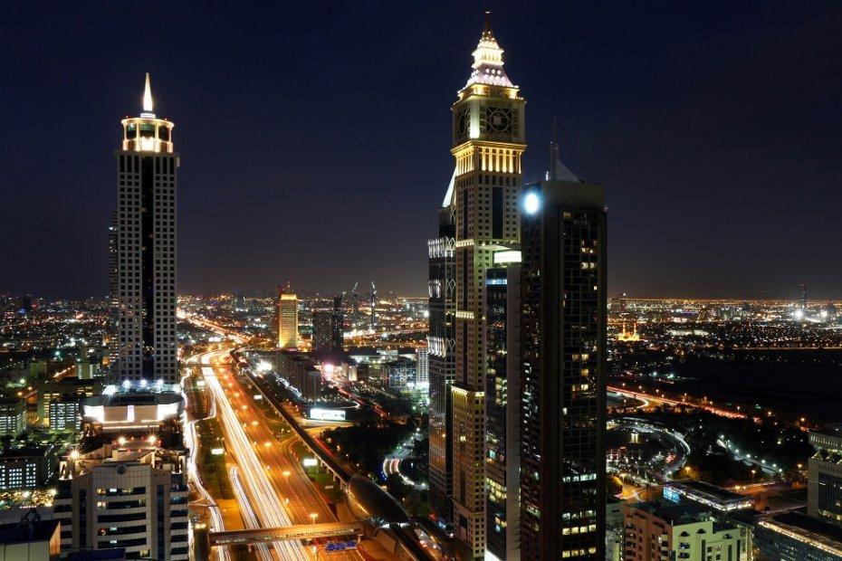 العوامل الرئيسية المؤثرة على سوق العقارات في الإمارات العربية المتحدة