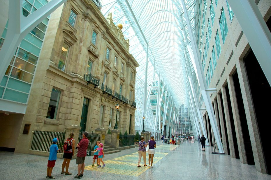 The Largest Underground Shopping Complex in the World: PATH