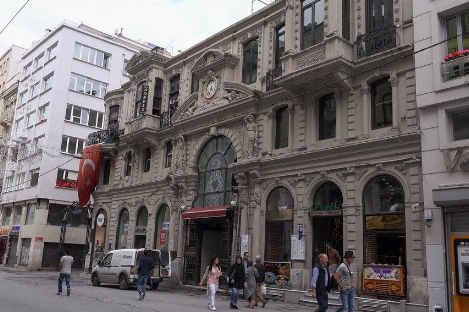 Exploring Istanbul's Neighborhoods: Sisli